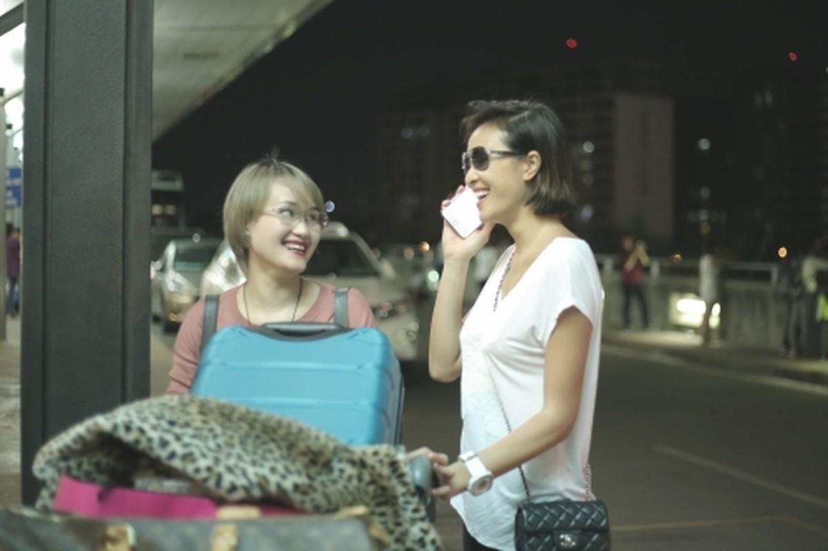 Sieu mau Phuong Mai mang 40 kg hanh ly di du lich bui