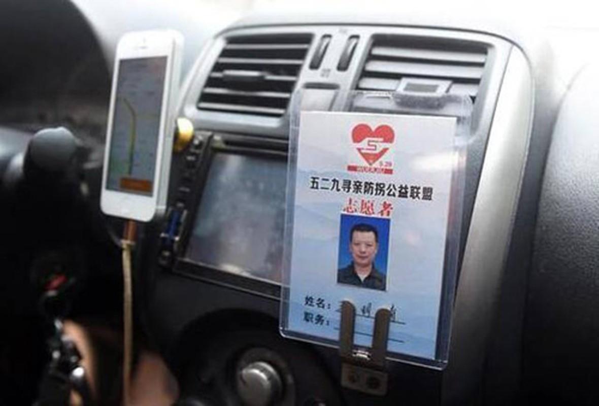 Nguoi cha lam tai xe taxi de tim con gai mat tich 23 nam-Hinh-2