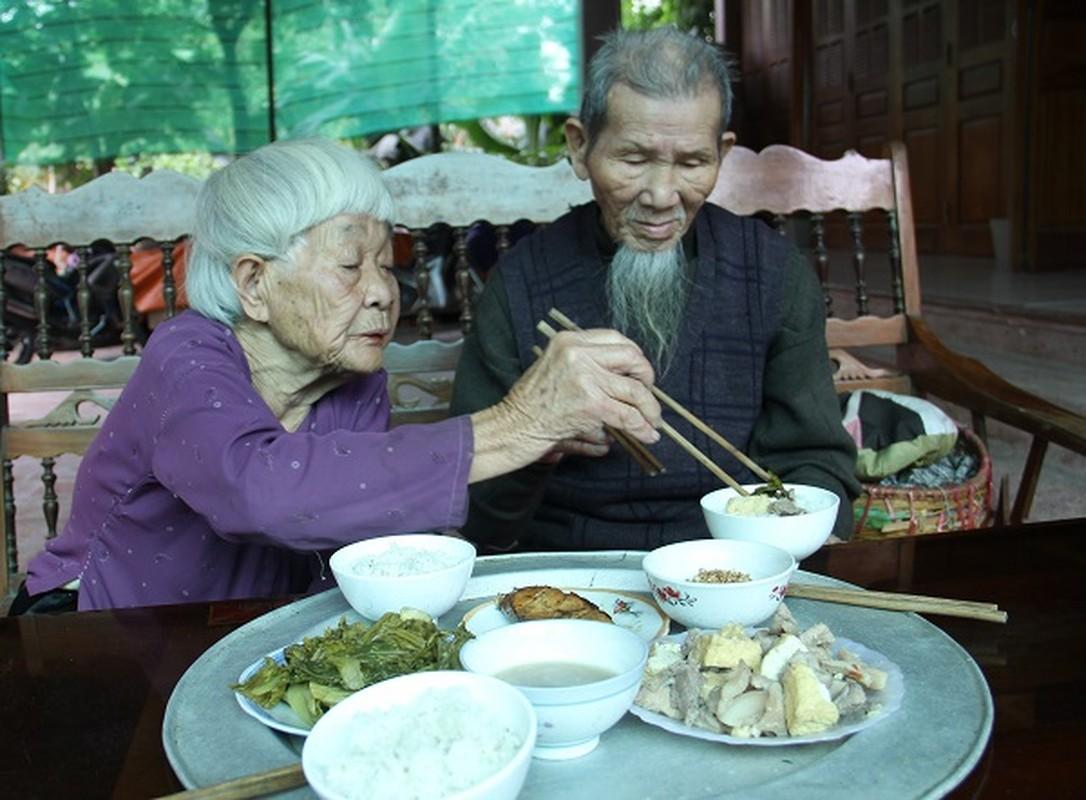Nguong mo hanh phuc cua cu ong 97 tuoi va cu ba 87 tuoi-Hinh-10
