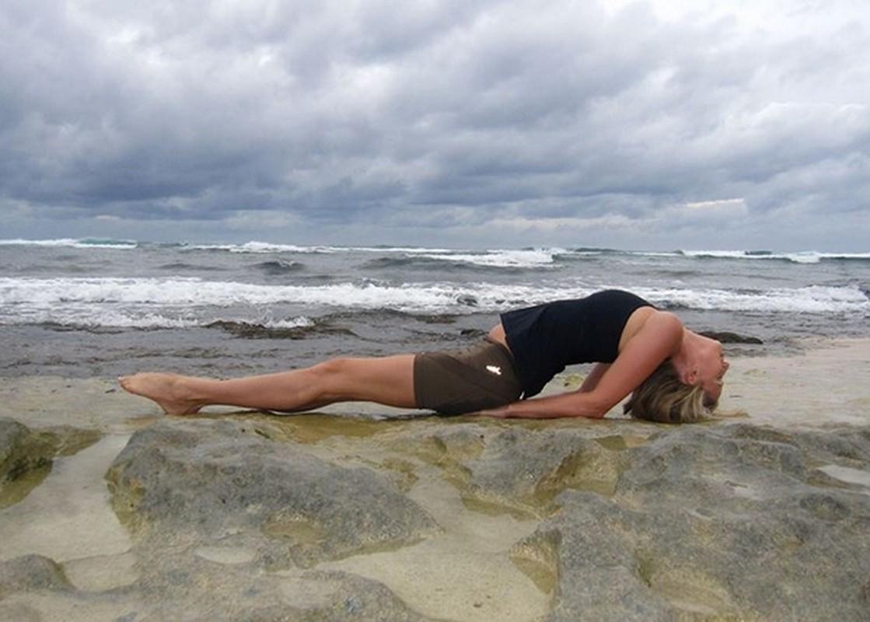 4 tu the yoga chũa dau bung kinh rát hiẹu nghiẹm-Hinh-9