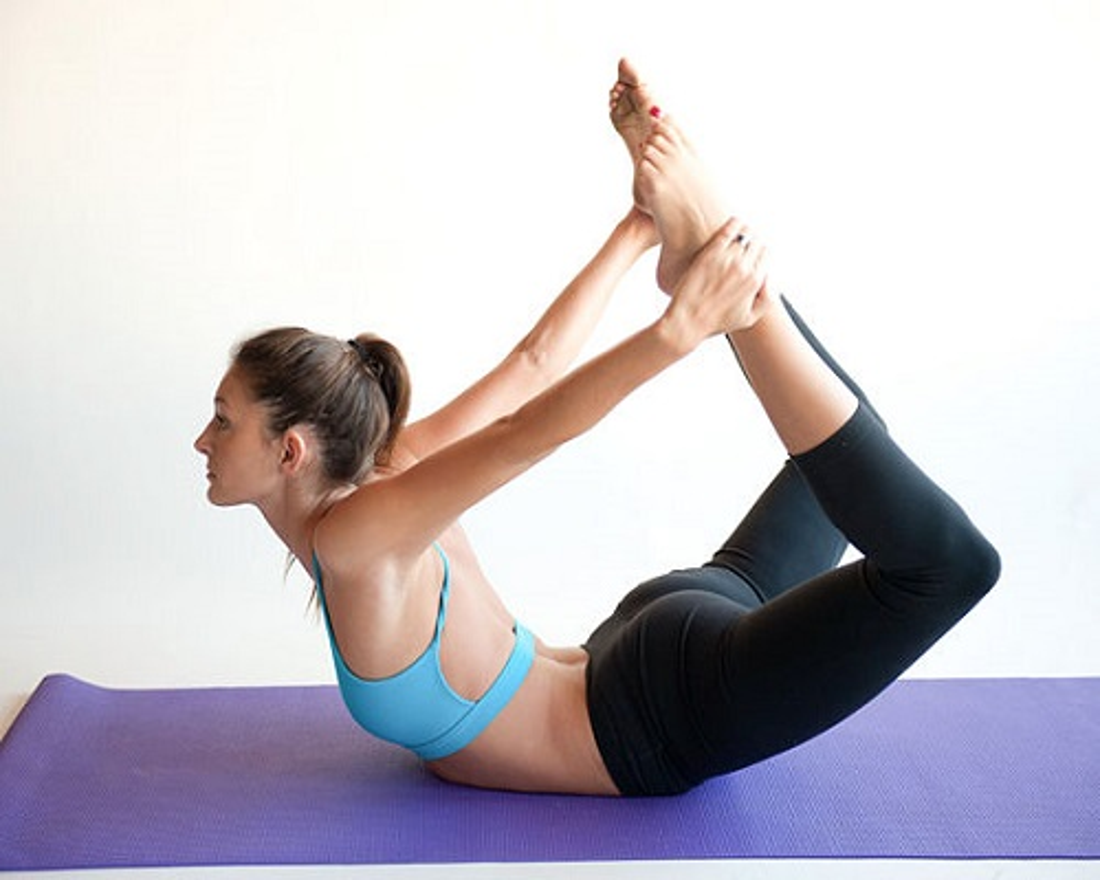 4 tu the yoga chũa dau bung kinh rát hiẹu nghiẹm