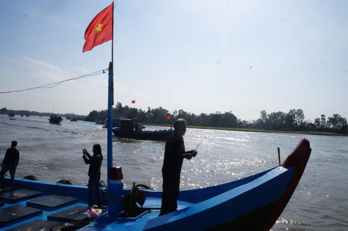 Anh tau thuyen Quang Nam dong loat ra khoi ngay mong 1 Tet-Hinh-3