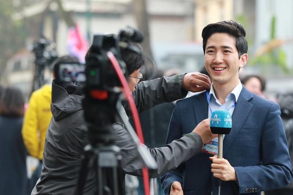 Nam PV Han Quoc hao hung khoe duoc len bao Viet Nam-Hinh-3