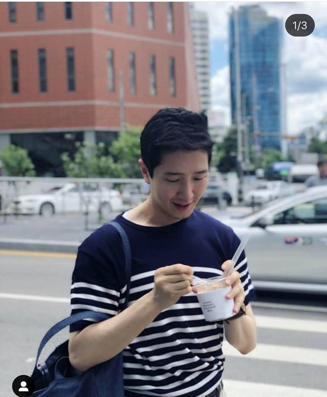 Nam PV Han Quoc hao hung khoe duoc len bao Viet Nam-Hinh-7