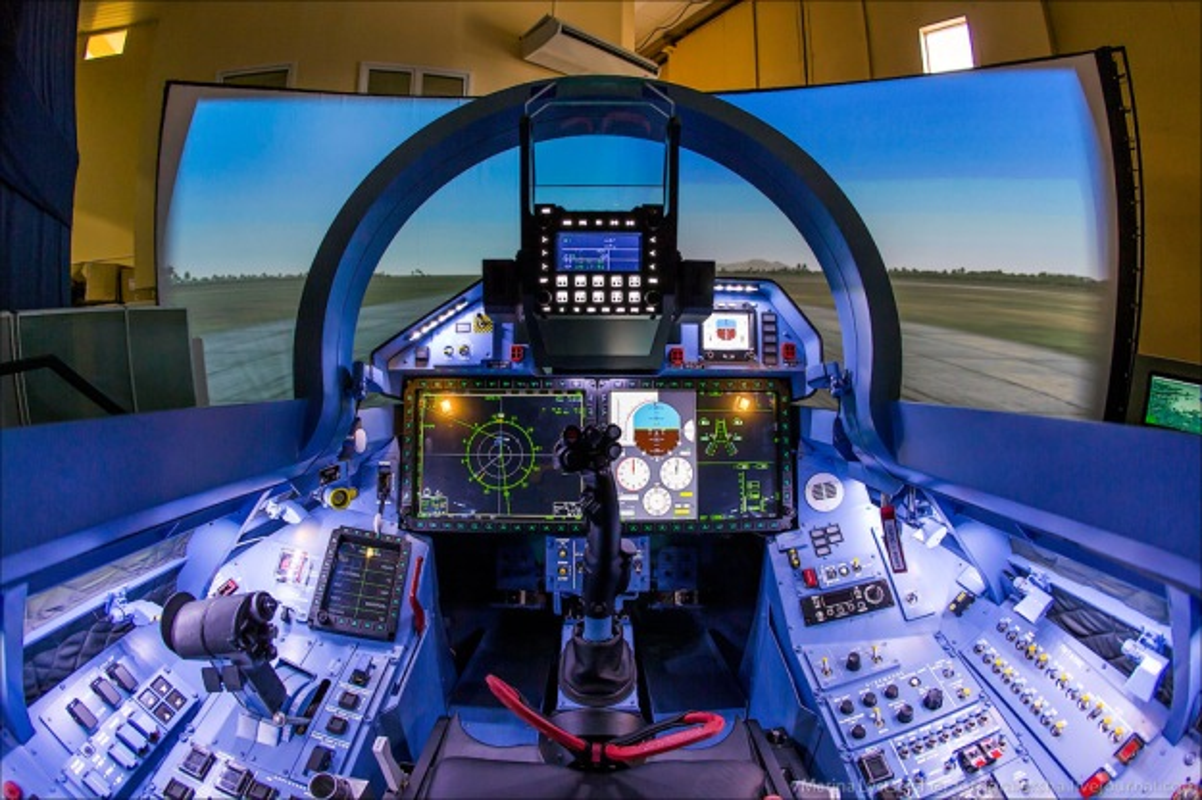 """Dat len ban can"" chien dau co F-35 My va Su-35 Nga-Hinh-5"