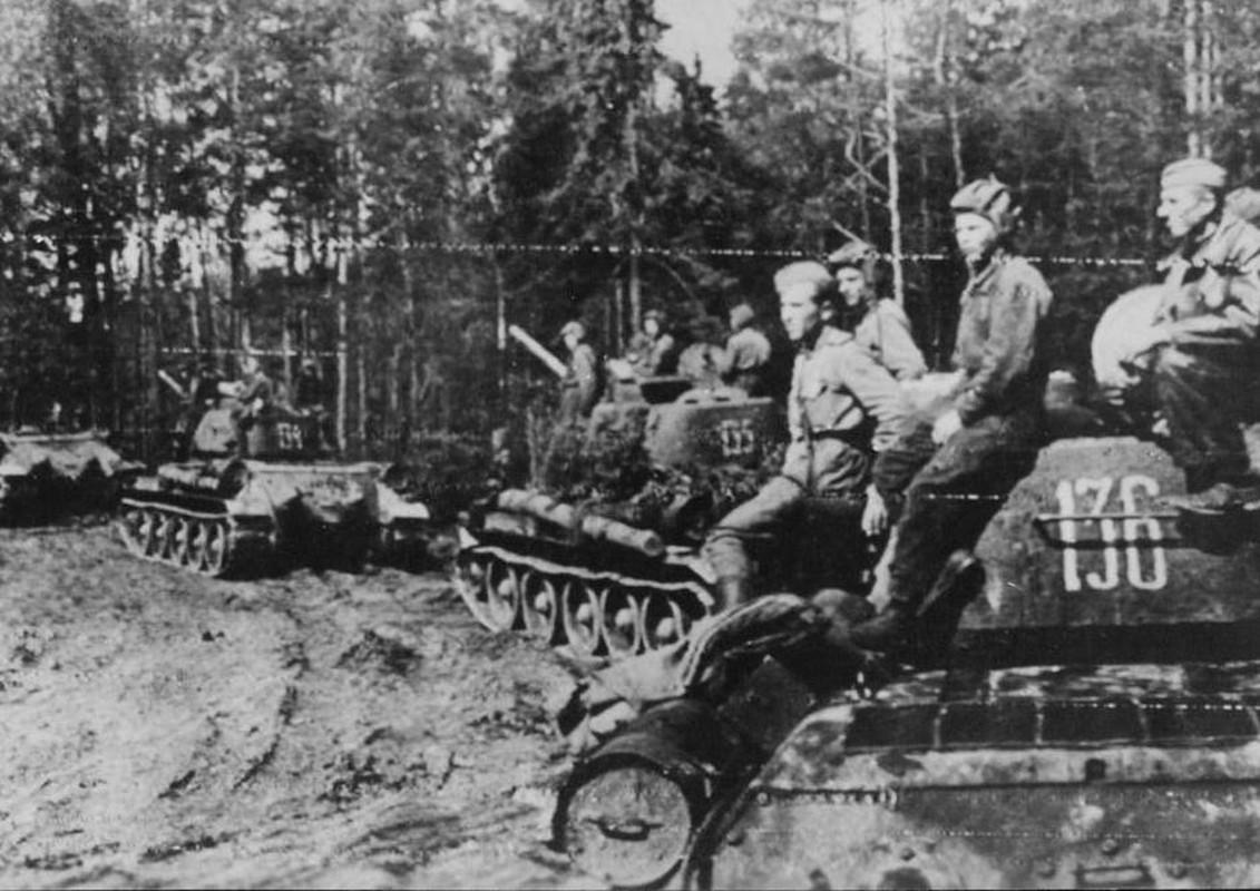 """""""Muoi don danh cua Stalin"""" de bep Duc Quoc xa trong The chien II-Hinh-29"""