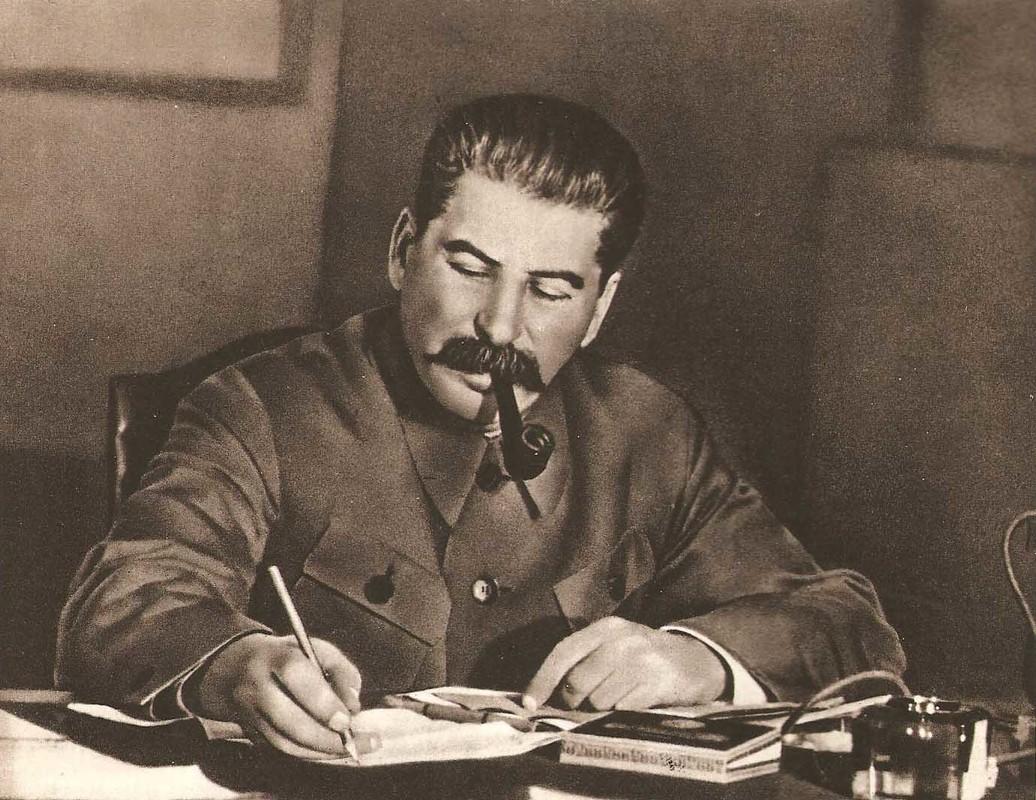 """""""Muoi don danh cua Stalin"""" de bep Duc Quoc xa trong The chien II-Hinh-3"""