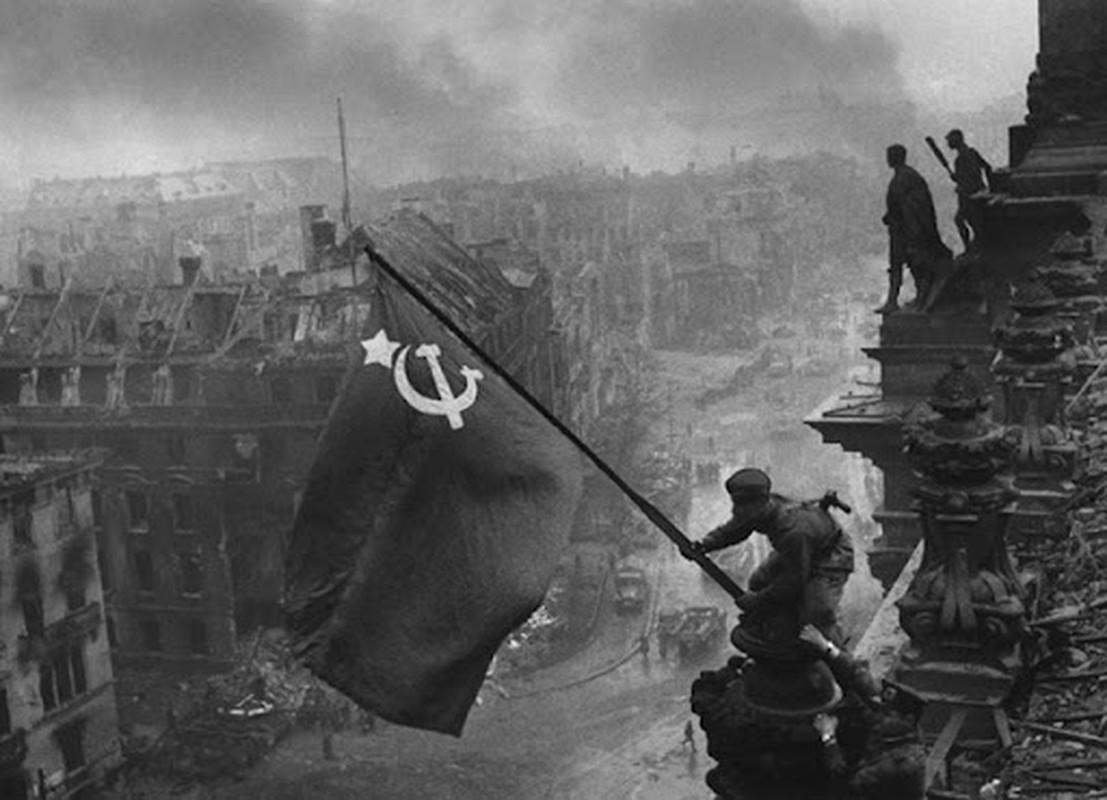 """""""Muoi don danh cua Stalin"""" de bep Duc Quoc xa trong The chien II-Hinh-30"""