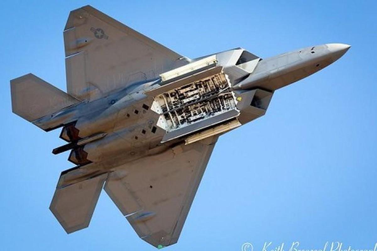 "Du rat dau dau, tai sao cac phi cong van ""yeu"" tiem kich F-22?-Hinh-11"