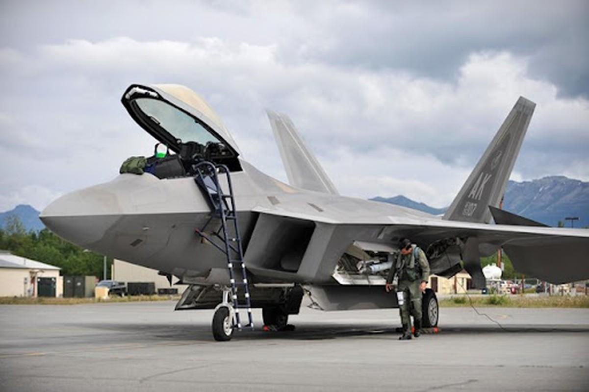 "Du rat dau dau, tai sao cac phi cong van ""yeu"" tiem kich F-22?-Hinh-7"