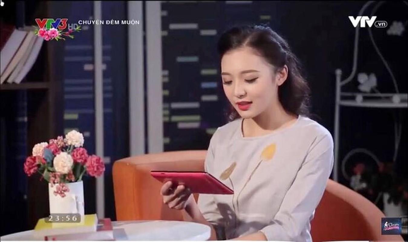 Nu MC tre nhat VTV mot lan ke het thuo moi vao nghe-Hinh-3