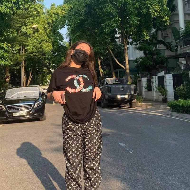 "De lo mat moc, con gai Phuong Chanel duoc khen ""xinh hon me""-Hinh-8"