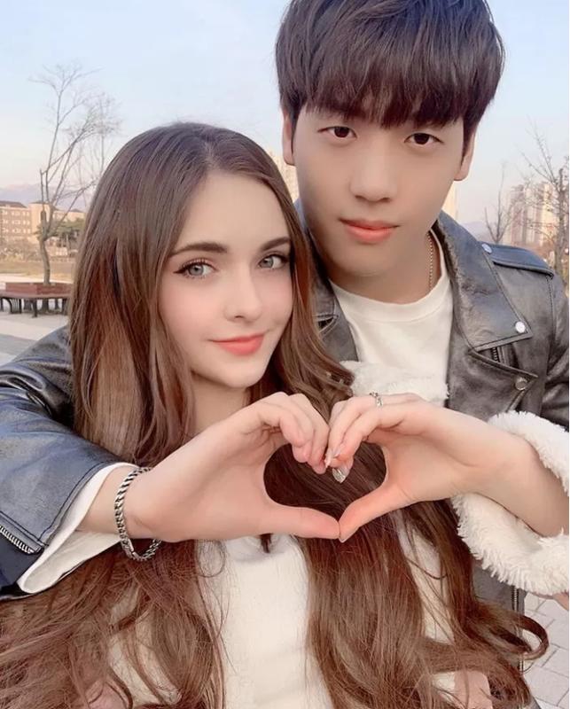 """Cap Youtuber lam netizen xao xuyen vi """"doi lua xung doi""""-Hinh-3"""