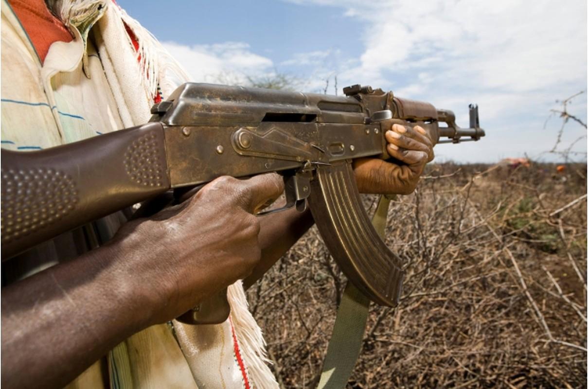 5 quoc gia san xuat sung truong tan cong AK-47 te nhat-Hinh-16