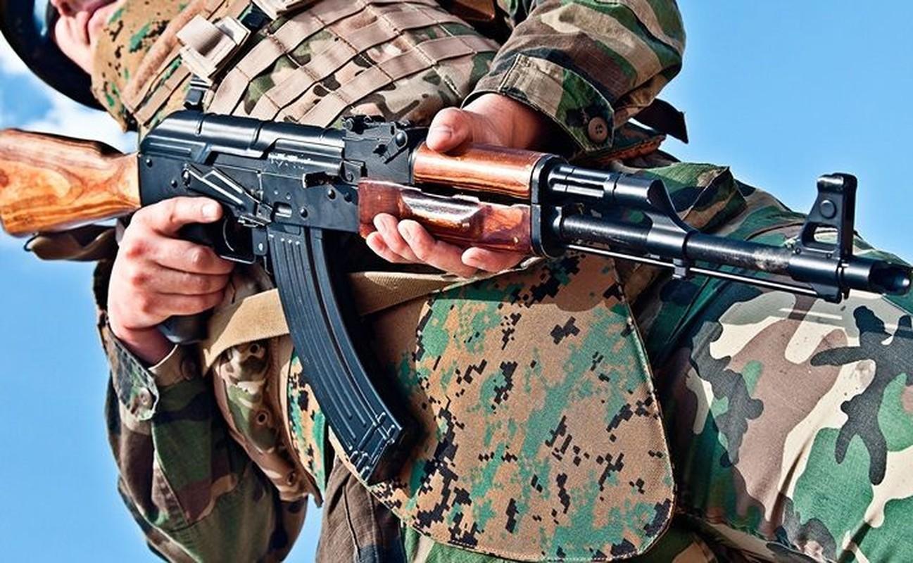 5 quoc gia san xuat sung truong tan cong AK-47 te nhat-Hinh-2