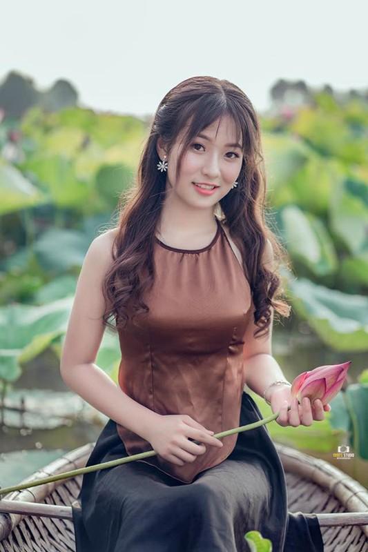 Ngam nhan sac nu sinh mua trong le khai giang bat ngo noi tren MXH-Hinh-6