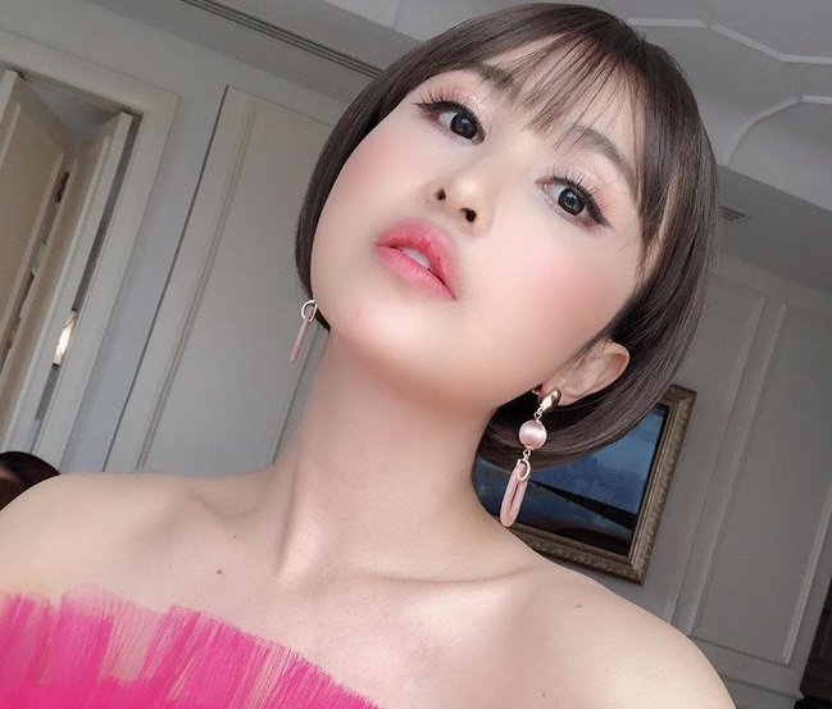 "Sau ""trom"" anh, vo hai Minh Nhua bi to ""lay caption song ao khong ghi nguon""-Hinh-4"