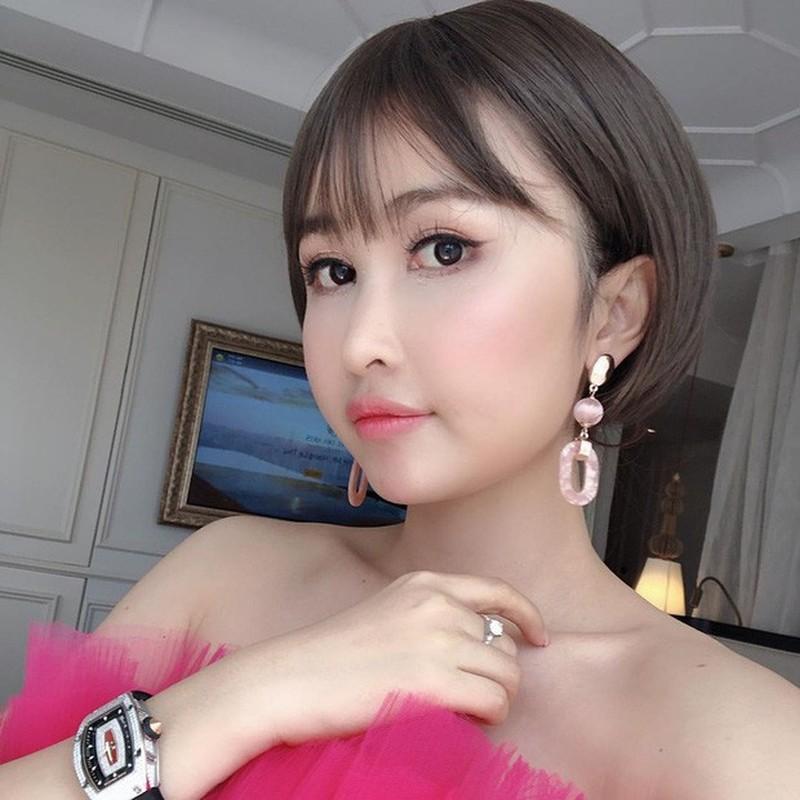 "Sau ""trom"" anh, vo hai Minh Nhua bi to ""lay caption song ao khong ghi nguon""-Hinh-5"