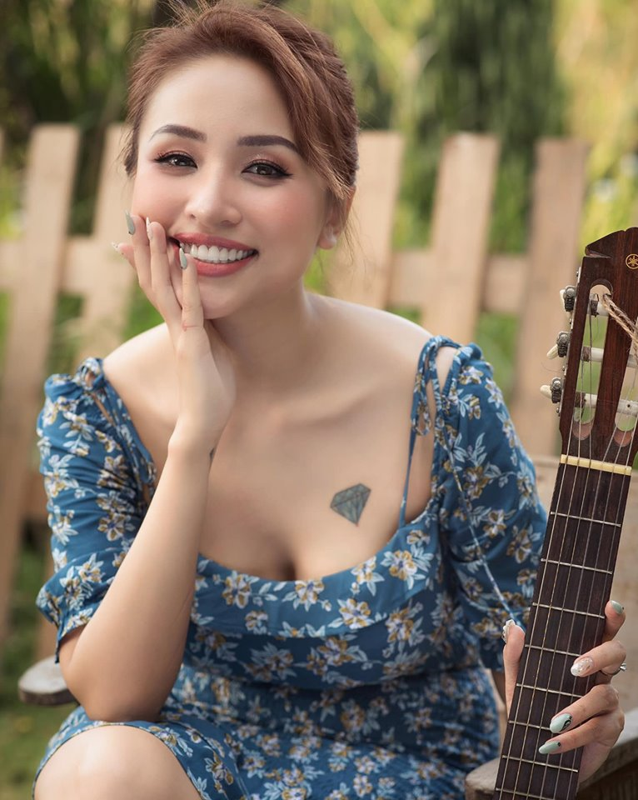 Loat hot girl Viet doi dau mang kiep