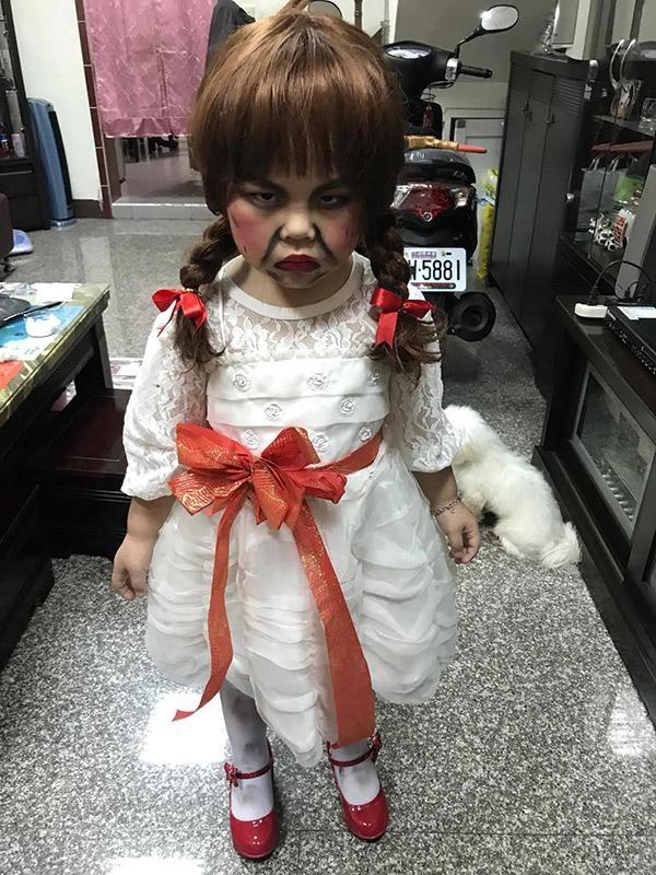 "Loat anh hoa trang ""sieu lay"" cua cac be chao don dip Halloween-Hinh-4"