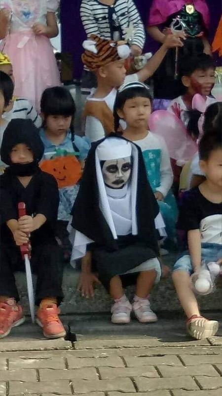 "Loat anh hoa trang ""sieu lay"" cua cac be chao don dip Halloween-Hinh-5"
