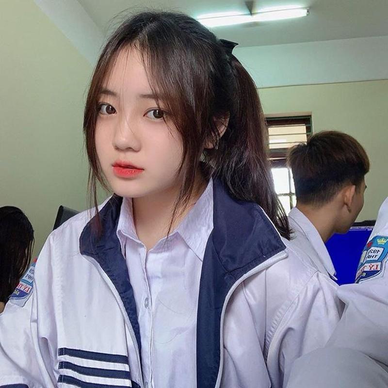 Nu sinh Bac Ninh dep chang kem hot girl chiem song MXH