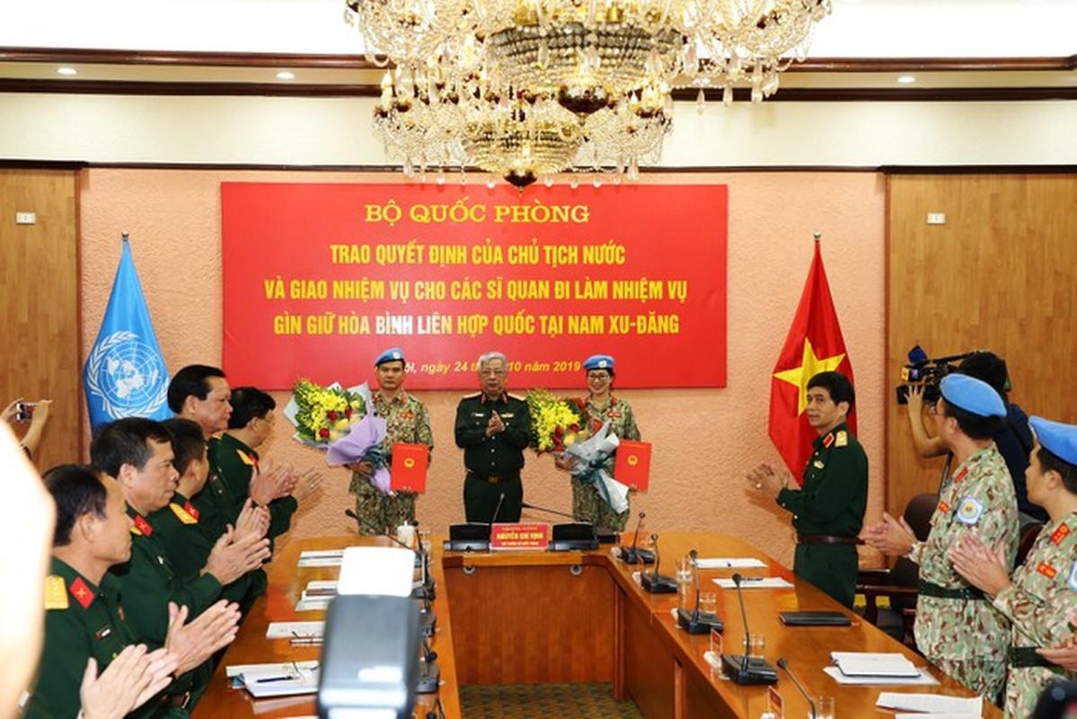 Nguong mo nu thieu ta Minh Phuong di gin giu hoa binh tai Nam Sudan-Hinh-10
