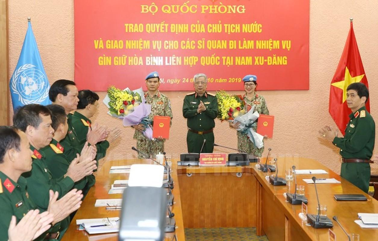 Nguong mo nu thieu ta Minh Phuong di gin giu hoa binh tai Nam Sudan-Hinh-2