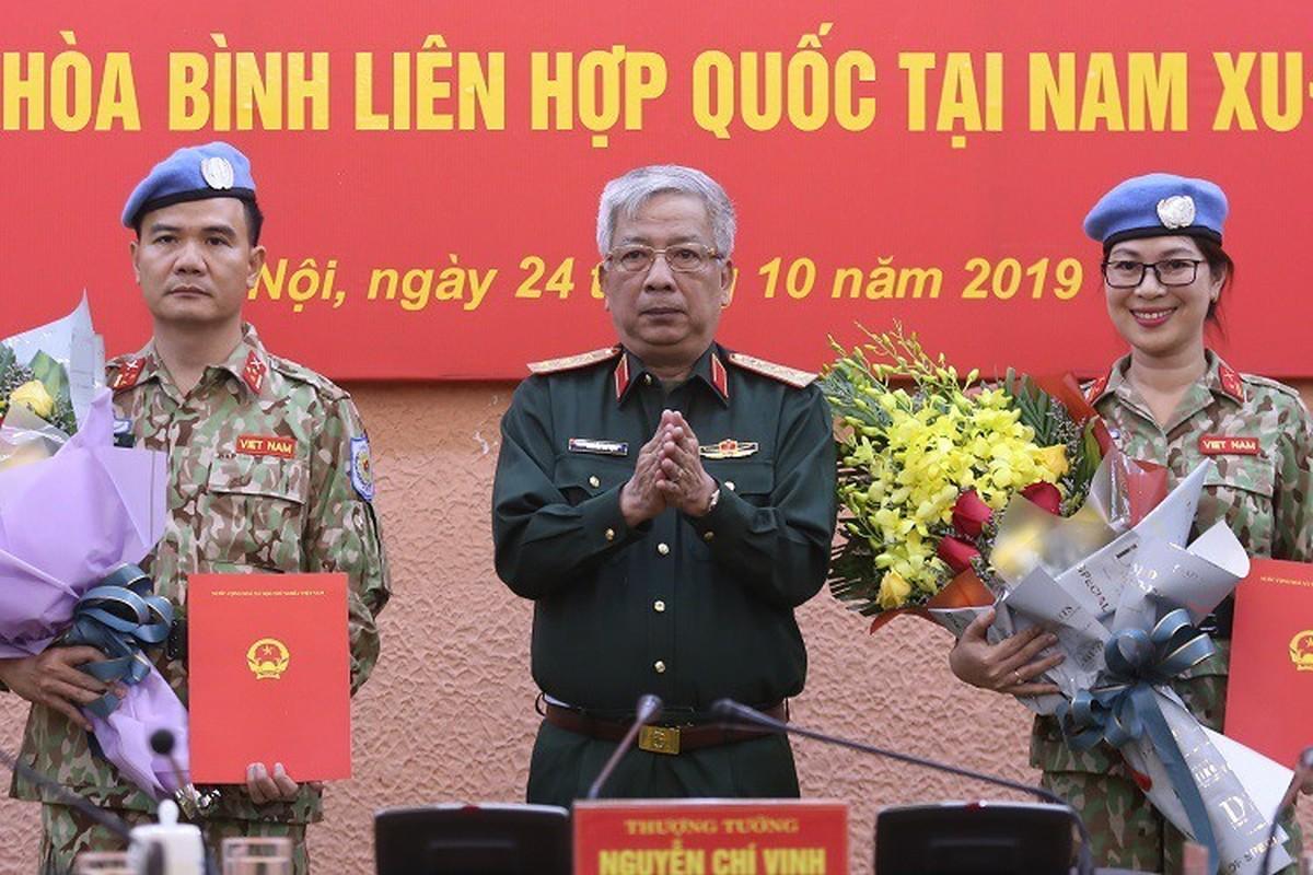 Nguong mo nu thieu ta Minh Phuong di gin giu hoa binh tai Nam Sudan-Hinh-3