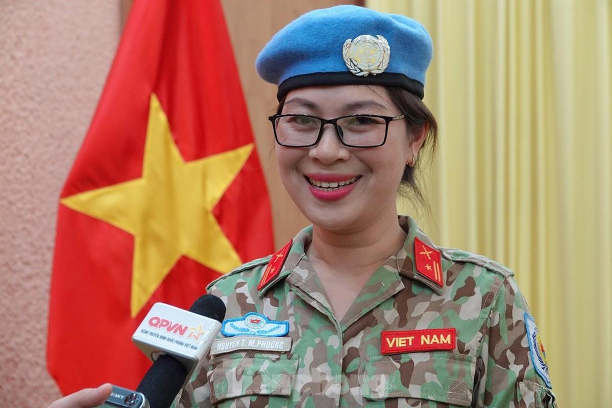 Nguong mo nu thieu ta Minh Phuong di gin giu hoa binh tai Nam Sudan-Hinh-5