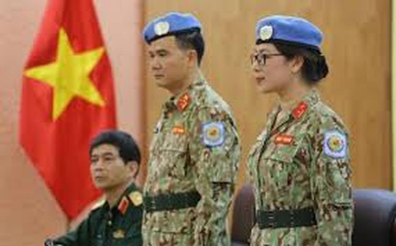 Nguong mo nu thieu ta Minh Phuong di gin giu hoa binh tai Nam Sudan-Hinh-6