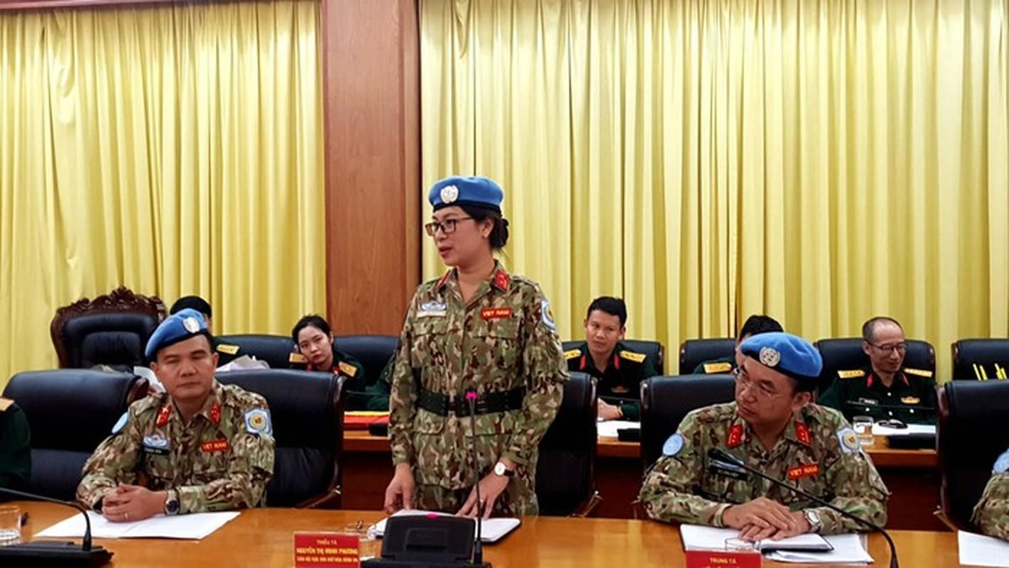 Nguong mo nu thieu ta Minh Phuong di gin giu hoa binh tai Nam Sudan-Hinh-7