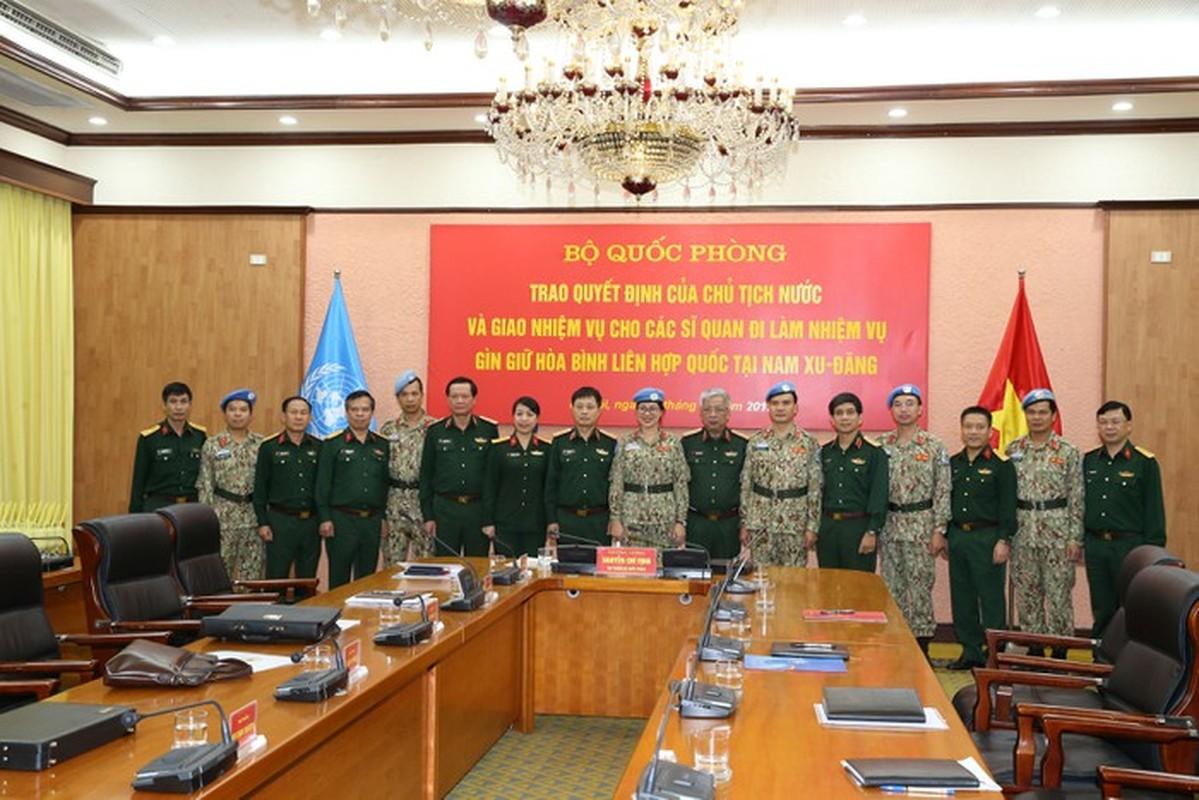 Nguong mo nu thieu ta Minh Phuong di gin giu hoa binh tai Nam Sudan-Hinh-9