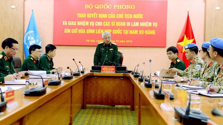 Nguong mo nu thieu ta Minh Phuong di gin giu hoa binh tai Nam Sudan