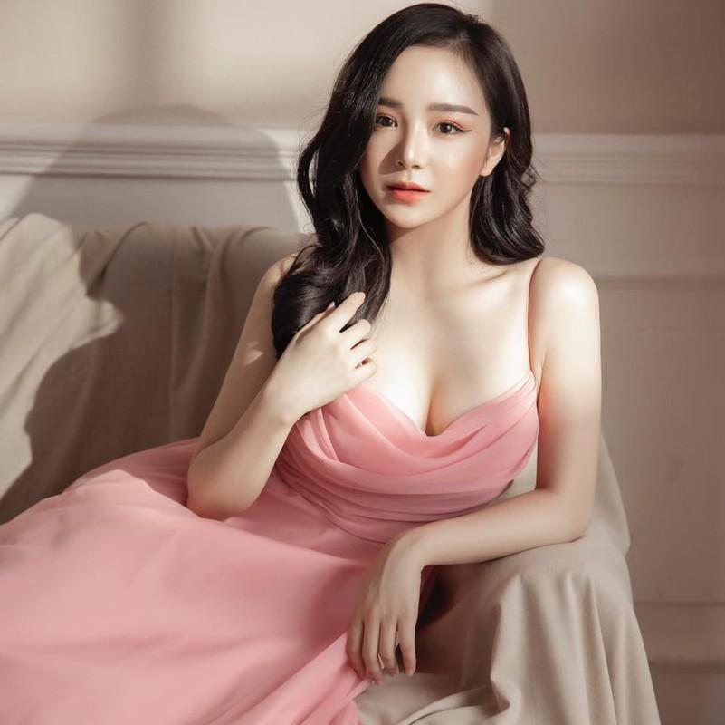 """Hot girl ngu gat"" he lo poster MV: Bi che phan cam, chieu tro-Hinh-5"