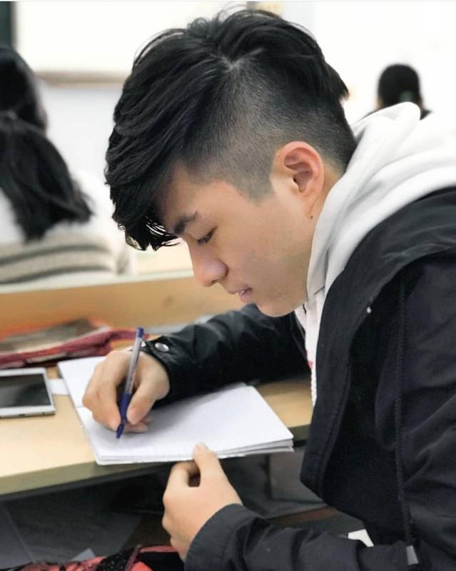 Nam sinh DH Y duoc TP HCM: dep trai, hoc gioi chuan soai ca-Hinh-6