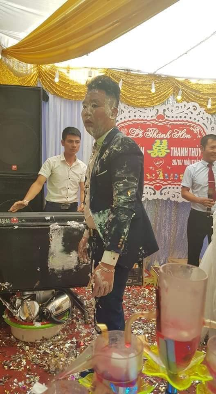 Goc dua dai: Chu re nhan ngay ket dang trong ngay cuoi voi hoi ban than-Hinh-5