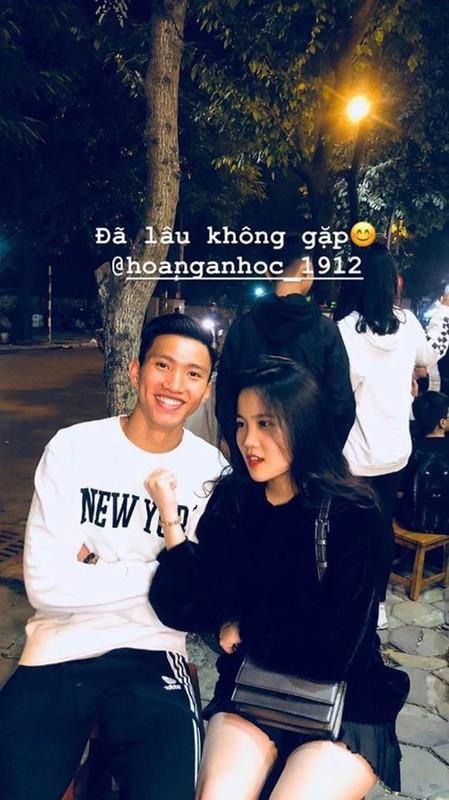 Dang du SEA Games, Van Hau len mang xa hoi than phien ve ban gai hot girl-Hinh-2