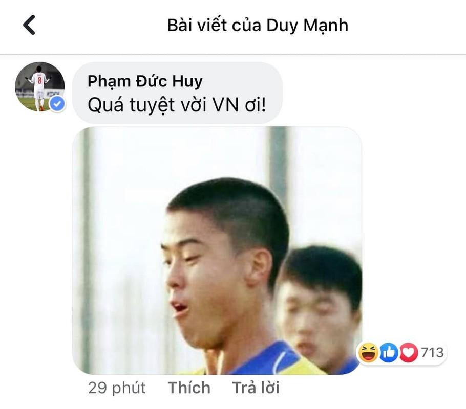 Gianh HCV SEA Games, Duc Huy hua tang qua het hon cho U22 Viet Nam-Hinh-10