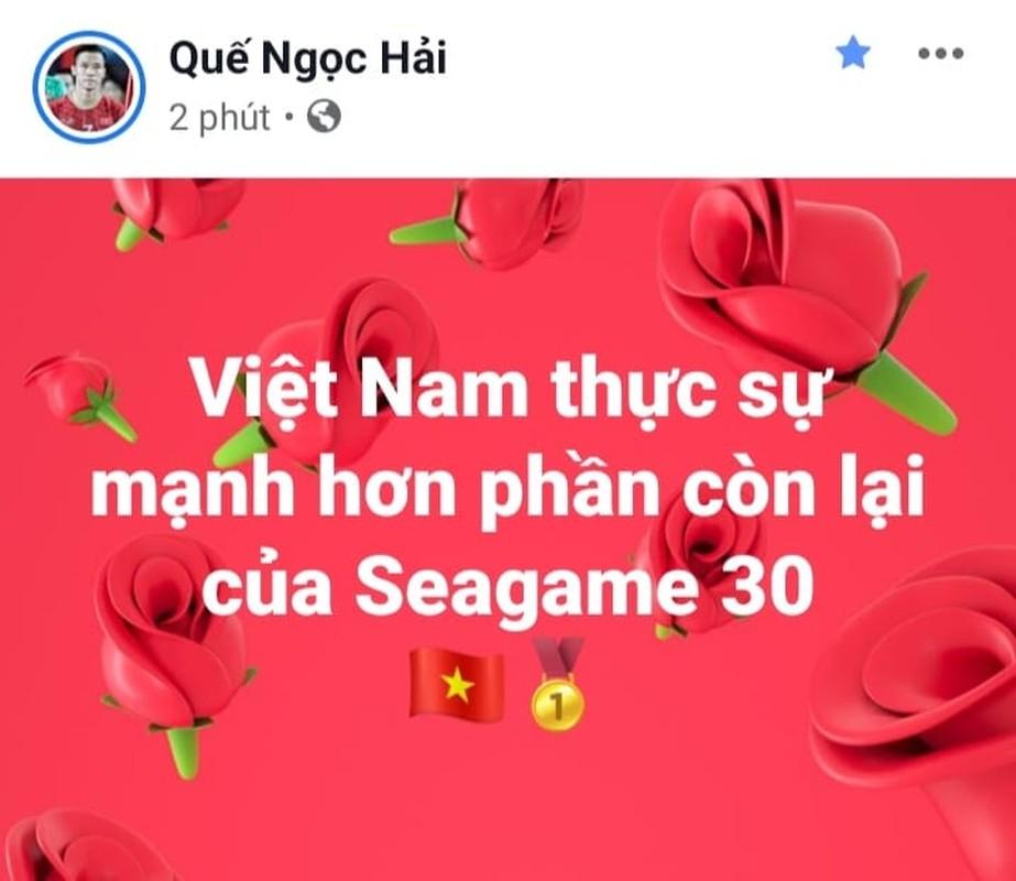 Gianh HCV SEA Games, Duc Huy hua tang qua het hon cho U22 Viet Nam-Hinh-4