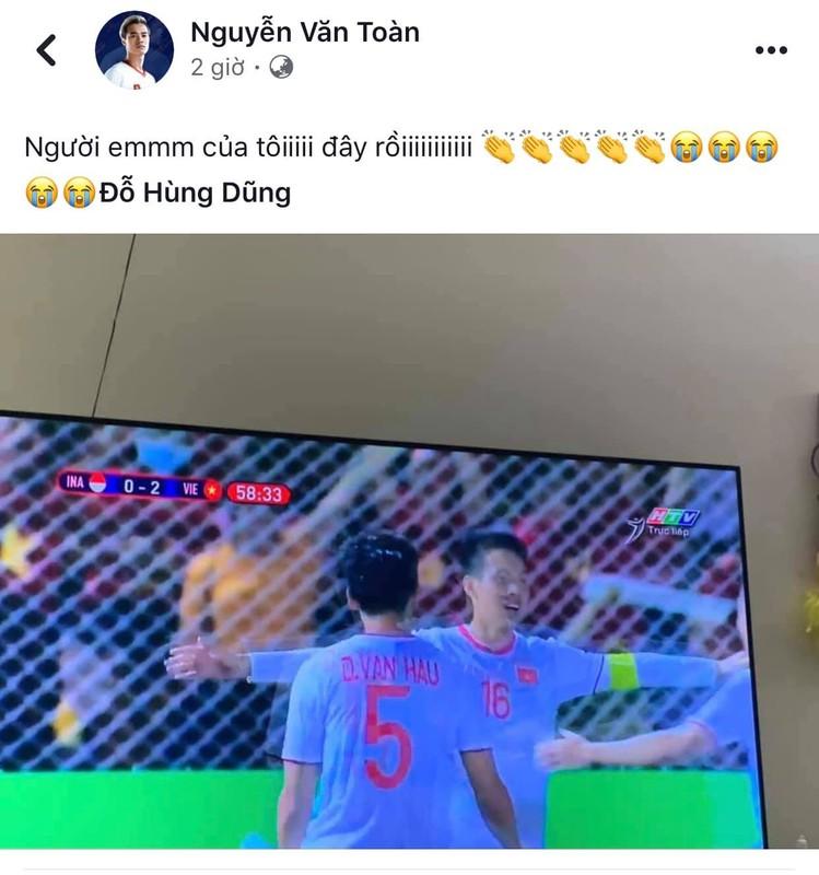 Gianh HCV SEA Games, Duc Huy hua tang qua het hon cho U22 Viet Nam-Hinh-8