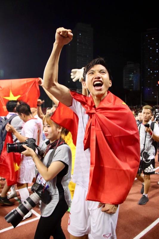 Vua toi Ha Lan, Doan Van Hau lam dieu khien fan lo sot vo-Hinh-2