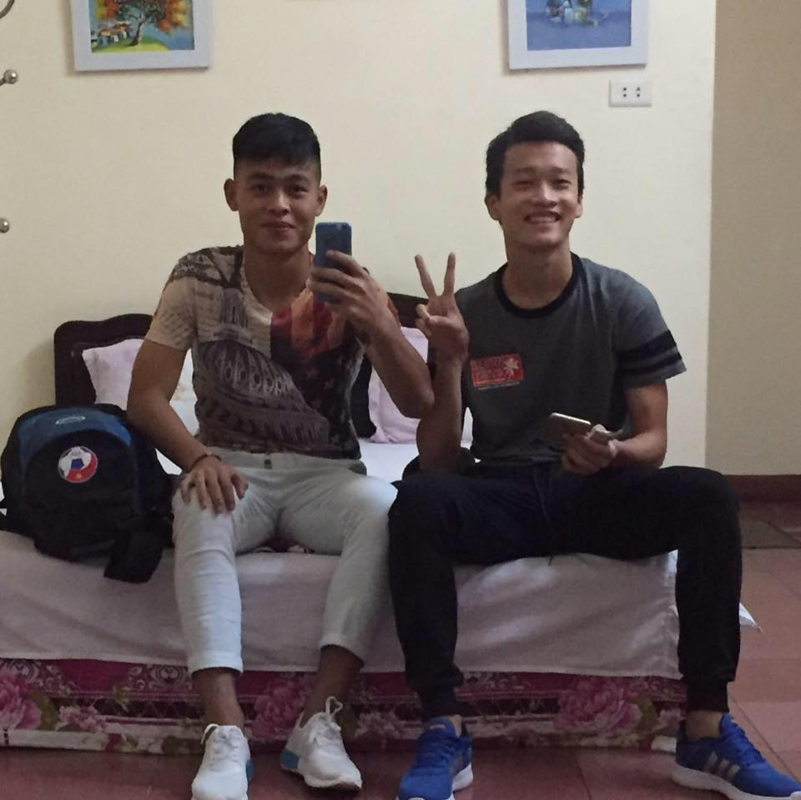 "Duc Chien - Hoang Duc lo anh than mat, fan duoc dip ""day thuyen"" nhiet tinh-Hinh-8"