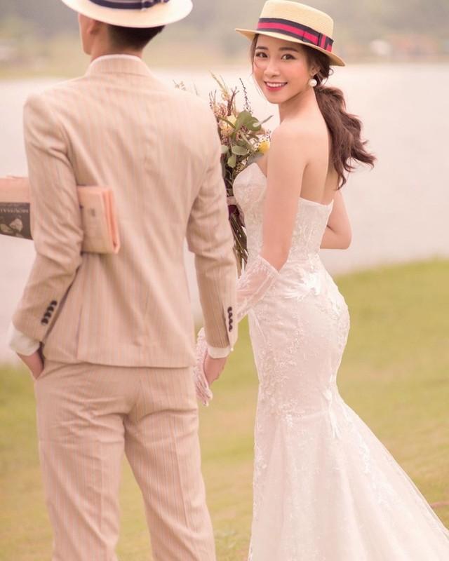 Sau tin don pha thai, ban gai Phan Van Duc khoe anh cuoi dep nhu mo-Hinh-2