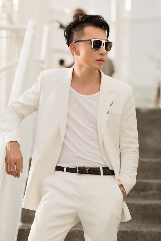 Soc nang truoc cuoc song xa hoa va man lot xac ao dieu hot boy mien Tay-Hinh-7
