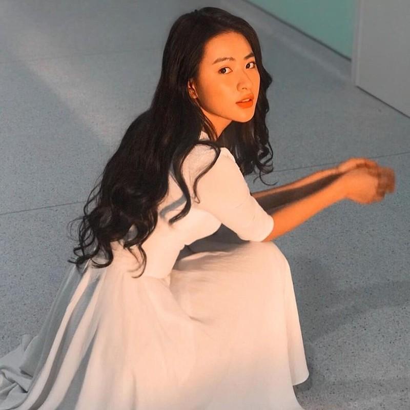 Soi dan hot girl dong MV duoc CDM san don trong nam 2019-Hinh-4