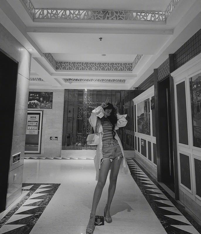 Hot girl 10x lo guong mat chua qua photoshop khien fan chay mat dep-Hinh-4