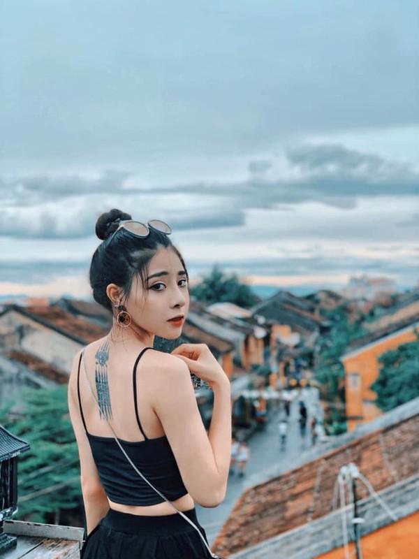 """Khong phai Ha Lan, day moi la co gai duoc thay Ngan """"Mat biec"""" lua chon-Hinh-2"""