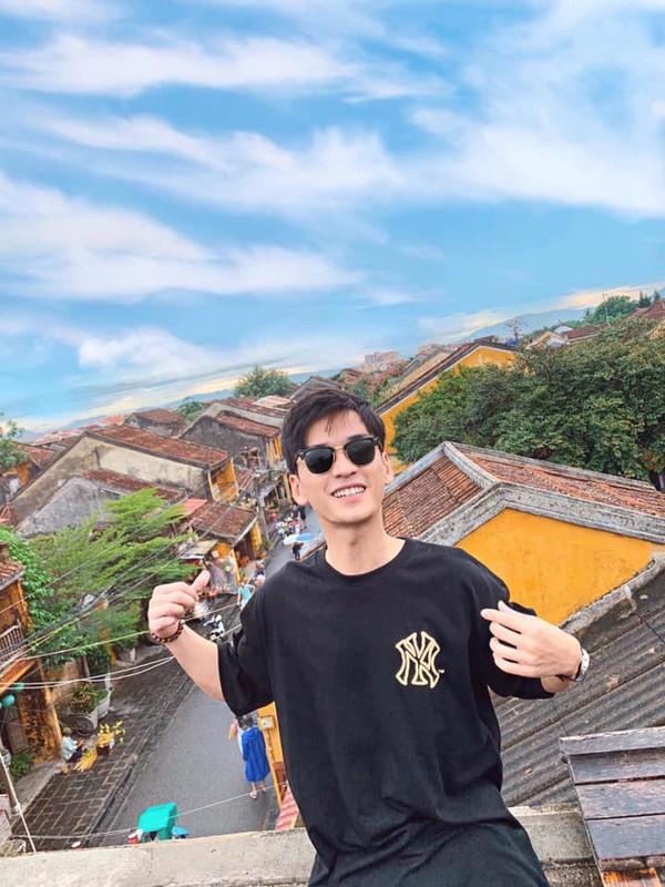"""Khong phai Ha Lan, day moi la co gai duoc thay Ngan """"Mat biec"""" lua chon"""