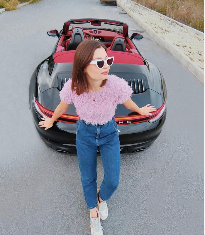 Cuoc song trong mo, du lich khap the gioi, sam xe sang cua hot vlogger Tho Nhi Ky-Hinh-3
